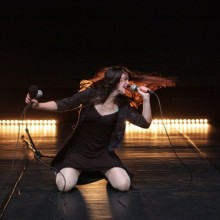 Nicole Beutler, Songs with Ibelisse Guardia, photo by Anja Beutler, courtesy of NBproject