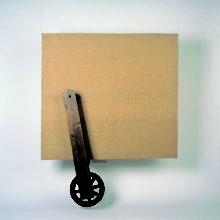 Tadeusz Kantor, Płótno i koło, z serii Wszystko wisi na włosku, technika mieszana, Kolekcja Galerii Starmach